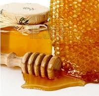 Menghilangkan bekas jerawat dengan Madu lebah